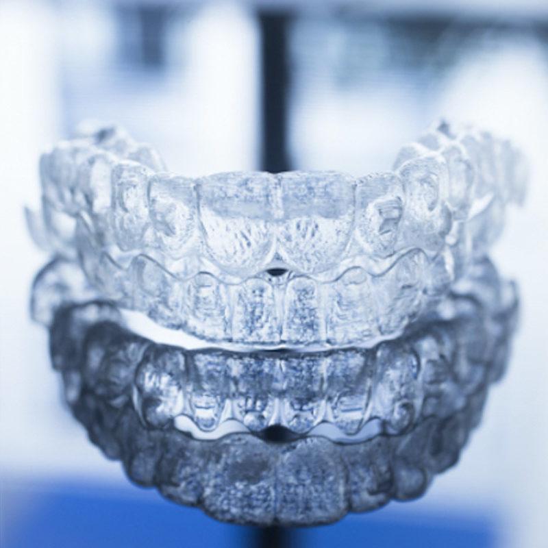 invisalign-Studio dentistico Riccardo Della Ciana | Civitanova Marche